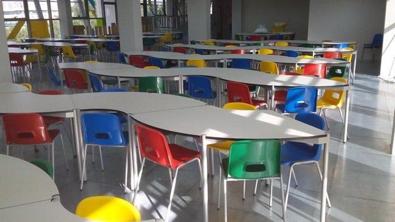 A mesa puesta escuela ideo for Comedor de escuela